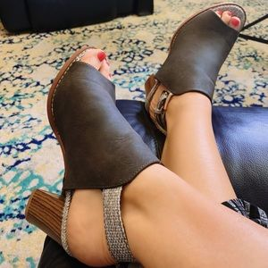Shoes - Must-Have Mules